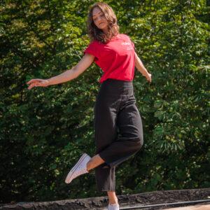 Nemokama šiuolaikinio šokio pamoka su Neringa Šatrauskaite 7-10 m. vaikams! 2021 M. SAUSIO 27 D. 16:00 VAL.